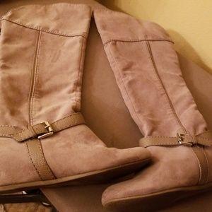 Express boots tan